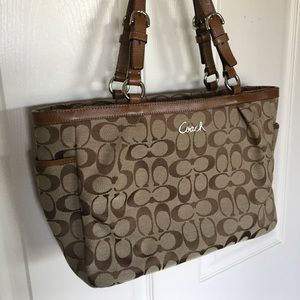 Coach Signature Design Purse Handbag